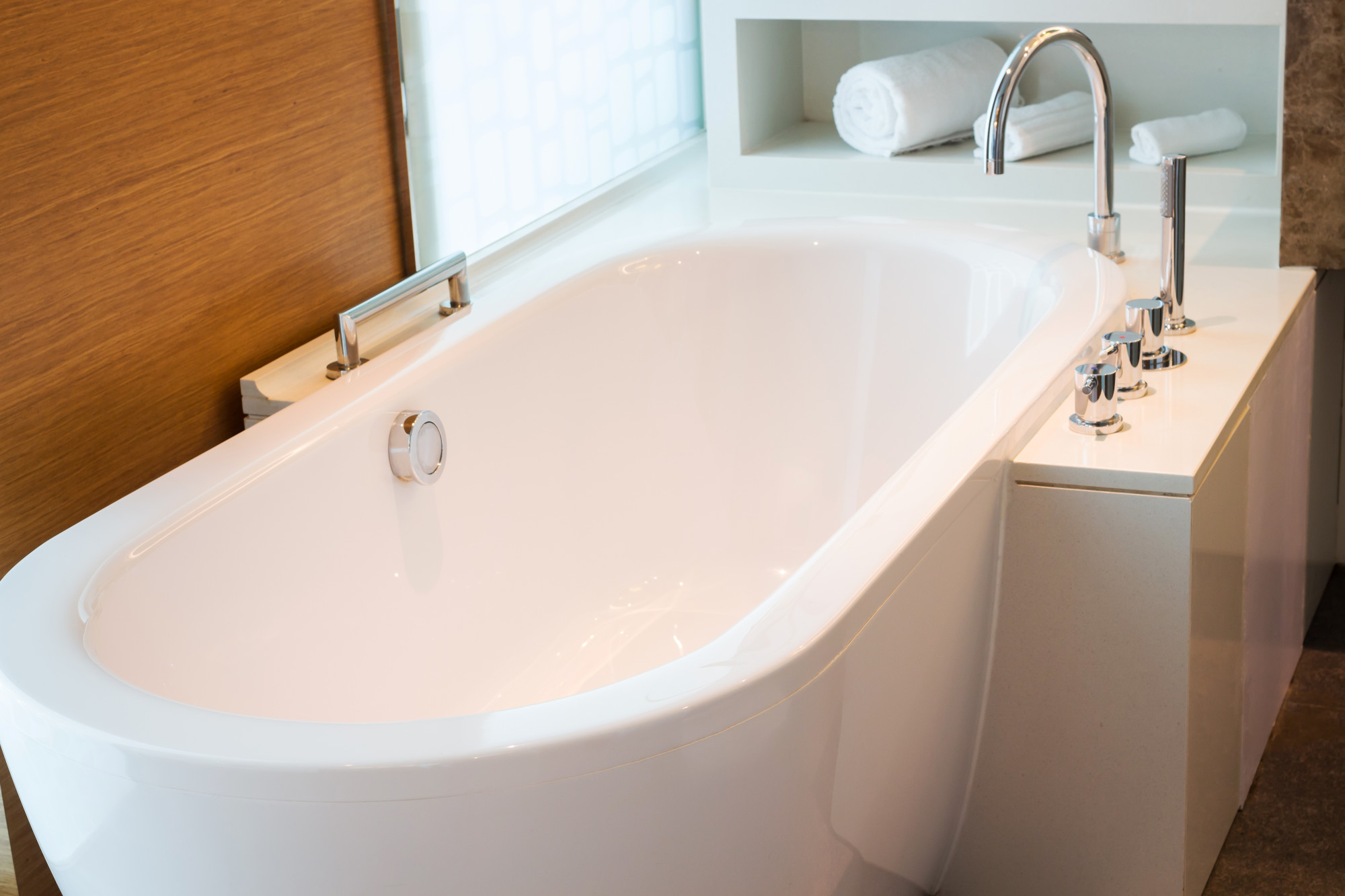 how to fix a clogged bathtub drain